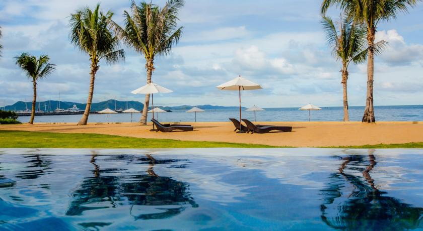 pattaya hotel family swiming pool kids travel thailand