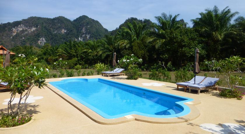 Khao Sok en famille - hôtel - piscine - jungle