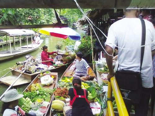BANGKOK ACTIVITIES BOAT TOUR FAMILY KIDS TRAVEL