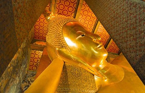 thailande en famille - visite culturelle à Bangkok - temple wat pho - boudha couché