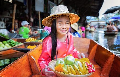 Bangkok Centre Historique -marché flottant bangkok - wekidstravel - la thailande avec un ado
