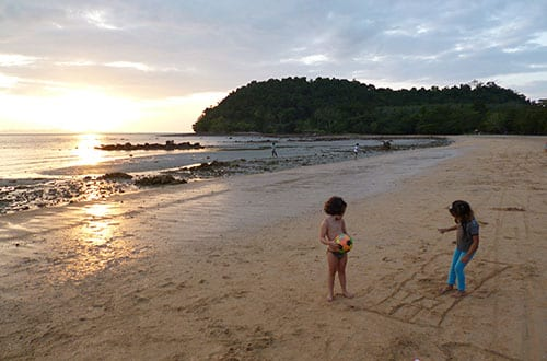 koh-jum en famille - plage thailande