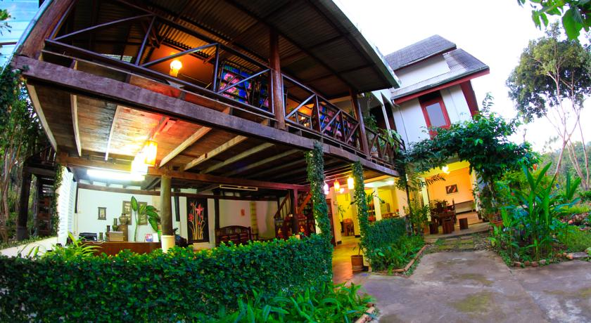 pai thailand north hotel nature resort family travel with kids
