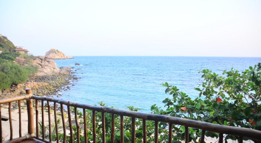 koh tao luxury swiming pool family travel kids thailand hotel