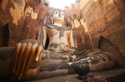 Sukhothai en famille - activité avec des enfants - visite des temples - bouddha