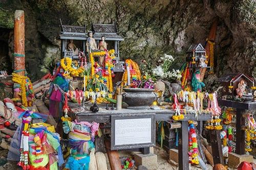 Culture et tradition en Thailande - grotte de railay - la thailande avec un ado