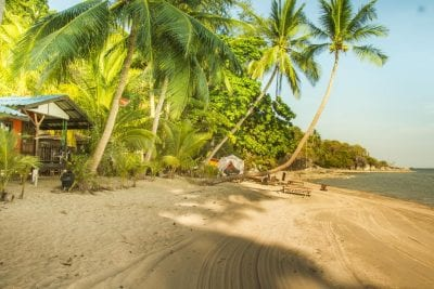 hotel pas cher koh phangan en famille - terrasse vue mer - koh phangan avec ado