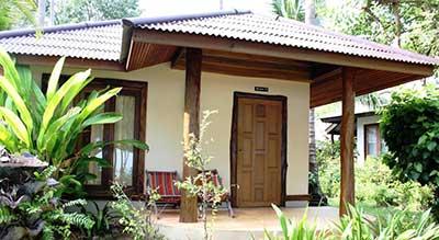 hotel famille-resort-chaise longue-cabane-traditionnel-vert