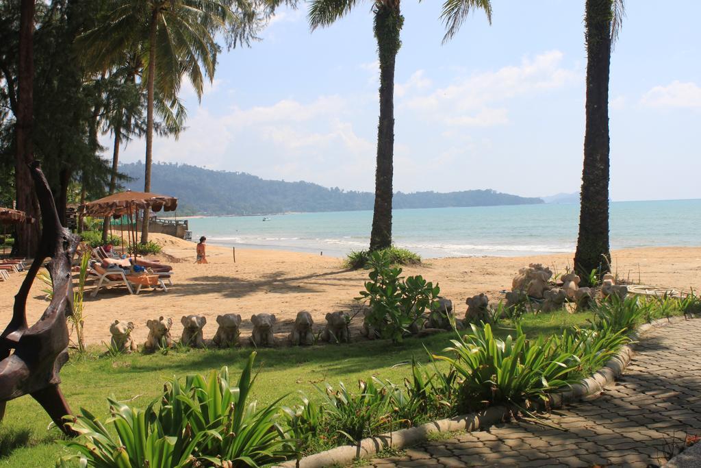 plage tropicale - thailande avec des ados - hotel jardin piscine pas cher khao lak