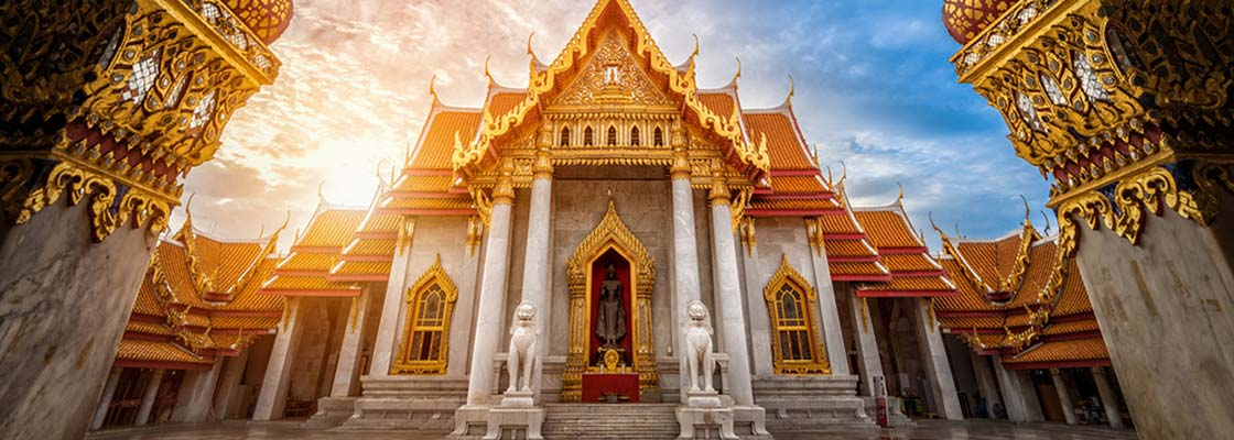 thailande-bangkok-temple-architecture-asie-traditionnel-siam-royaume-palais-or-rouge-visite-statue-boudha-pagode-famille