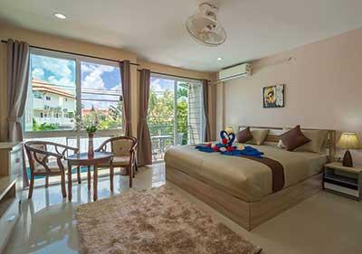 grand lit- decoration-baie vitrée